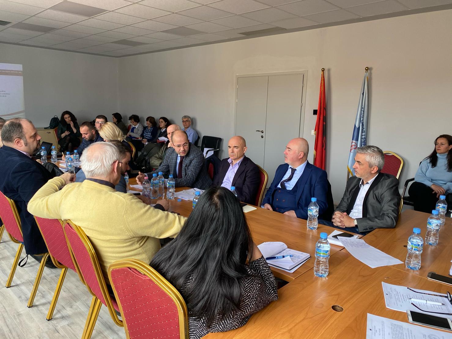 Date 20.02.2020 seanca degjimore mes perfaqesuesve te Konfederates se Industrive te Shqiperise, Dhomes se Tregtise dhe Industrise, Autoriteti i Konkurrences, MIE, FSHU, OSSH dhe ERE